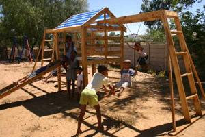 Gynge-klatrestativ i Namibia